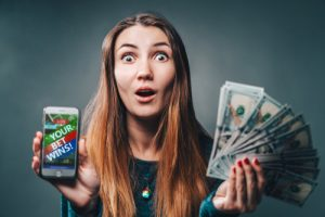 joueuse qui à gagné en jouant au casino sans dépôt
