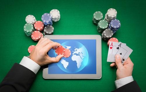 concept de jeu de casino apparaisant sur une tablette informatique