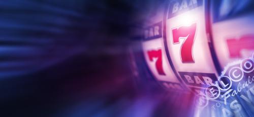 illustration d'un jeu de machine à sous affichant trois fois le chiffre sept