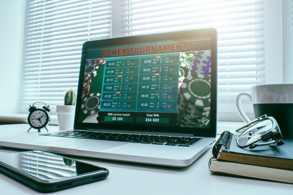 tournoi de poker sur ordinateur portable